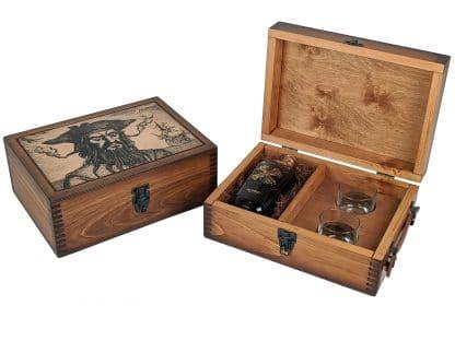 Blackbeard Pirate Portrait Alcohol Gift Set