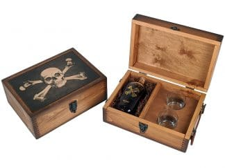 Skull and Crossbones Alcohol Gift Set